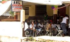 Titre: L'Association des Handicapés de Léogane (AHL) inaugure son premier bureau