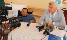Le Secrétaire d'État Gérald Oriol Jr et le Représentant de l'Unicef Edouard Beigbeder