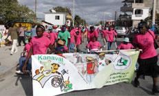 Titre: Des carnavaliers porteurs du message d'inclusion aux Gonaïves