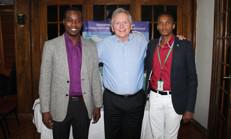 Le professeur Morris entouré de Dawoldson Sénélus pour le BSEIPH et Rock André pour CEDEL Haïti